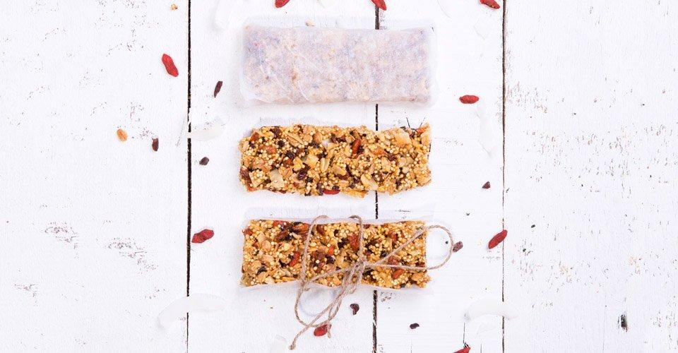 Müsli-Riegel mit Erdnüssen und Mandeln